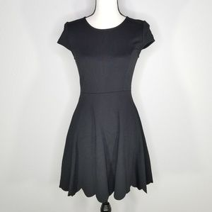 Lulu's black scallop hem cap sleeve women's dress
